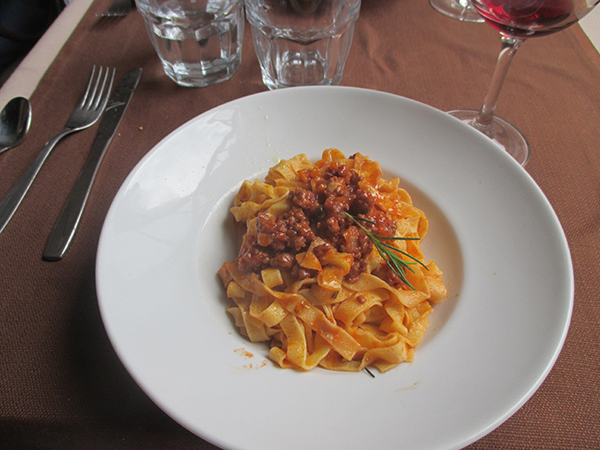 {Recipe} Florentine Meat Sauce and Home Made Pasta -6-allabouthedetails.com