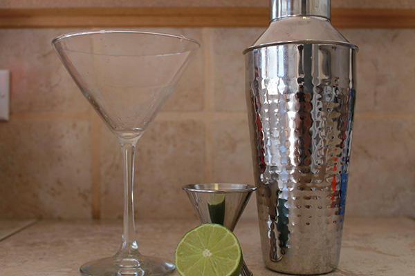 -Thirsty Thursday-The Cosmo - Cockatail Recipe-allaboutthedetails.com-1.jpg