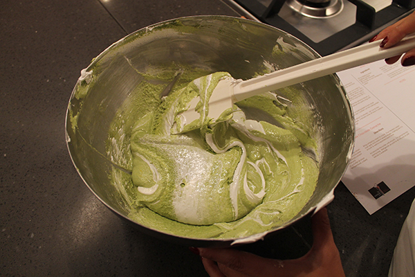 Macaroon Class- How To- Paris-allaboutthedetails-5
